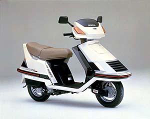 скутер Honda хонда Spacy Striker 125 Jf02 фотографии и характеристики